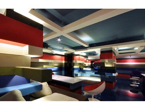 梦幻迷离的咖啡馆装修设计